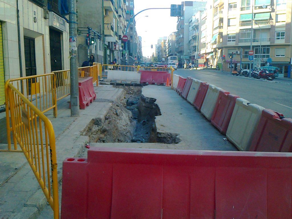 Entronques sobre tuberia de fibrocemento existente en Colector Campoamor Alto en Alicante