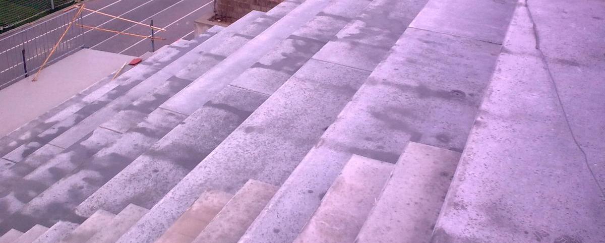 Construcción gradas y vestuarios en Biar