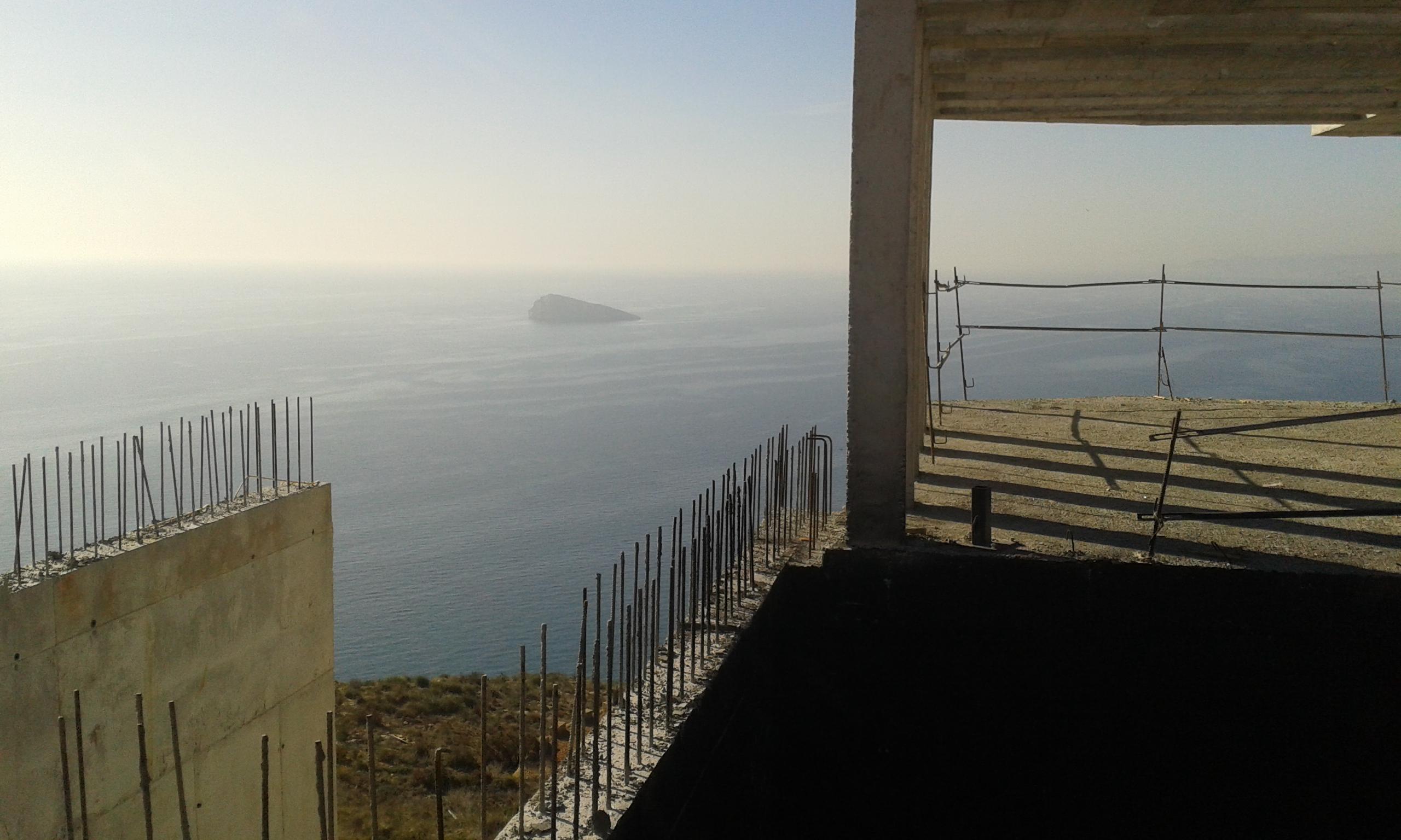 CONSTRUCCIÓN DE CHALET EN LA SIERRA HELADA EN BENIDORM, ALICANTE