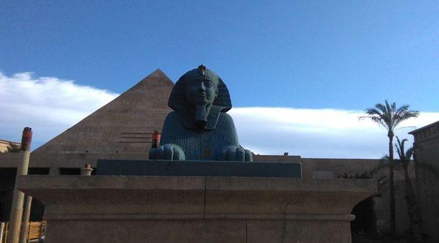 piramide_Keops_Terra_Mitica_reforma_interior_esclapes